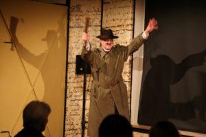 Rainer Künnecke als Fritz Haarmann im Leibniz Theater. Foto von Holger Wohllebe